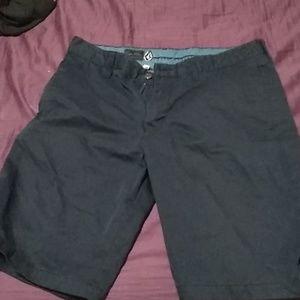 Brand New men's Volcom gorpo classic shorts size 3